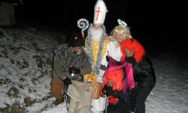 2013 – Noční výstup na Palkovické hůrky za Mikulášem s čerty