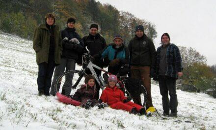 2012 – Podzimní brigáda na lyžřském vleku – natahování lana